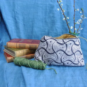 Washbag in charcoal St Peter